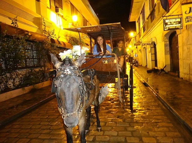 Kalesa Ride. Night Tour. Travel Itinerary Guide. Vigan Tricycle Package.