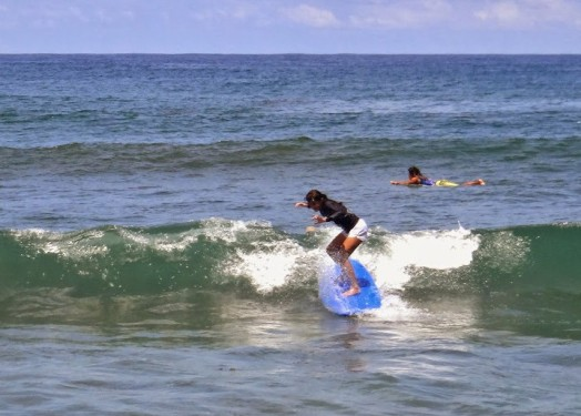 Monaliza Surf Resort. Cheap Accomodation is San Fernando with Surfing Tutorial. Urbiztondo Beach La Union.