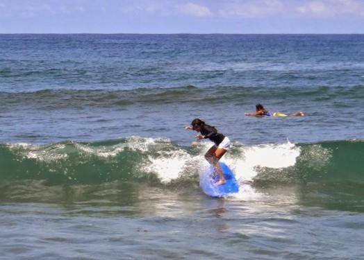 Monaliza Surf Resort. Cheap Accomodation is San Fernando with Surfing Tutorial. Urbiztondo Beach La Union.