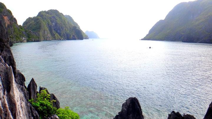 Matinloc Island view. El Nido Palawan Tour package.