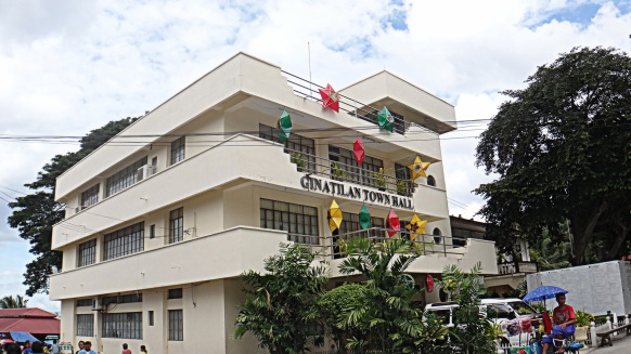 Ginatilan , Cebu. Municipal Hall Travel Photo