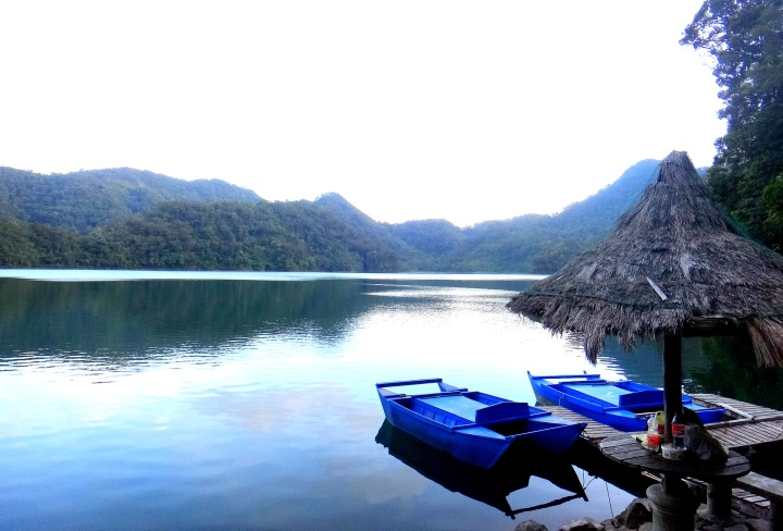 Twin Lakes, Negros. MyTravelDigest