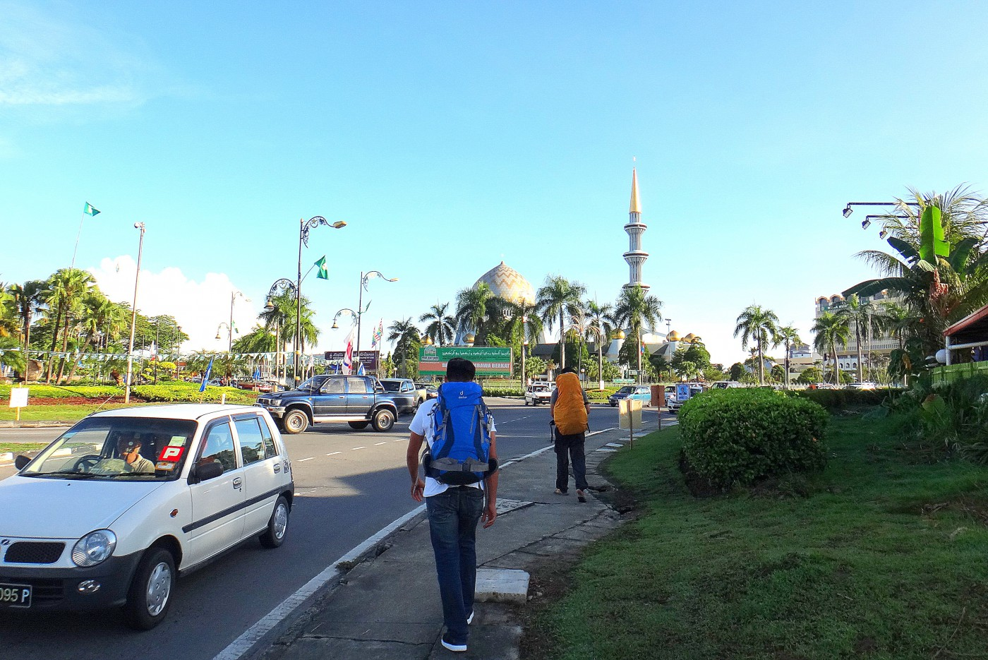 Backpacking Kota Kinabalu. State Mosque at the background.