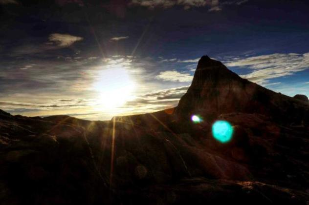 Sunrise at Low's Peak. Photo by Tiki Allado.