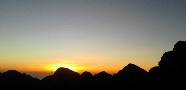 Sunrise in Mt. Guiting-Guiting Reverse Traverse Climb.